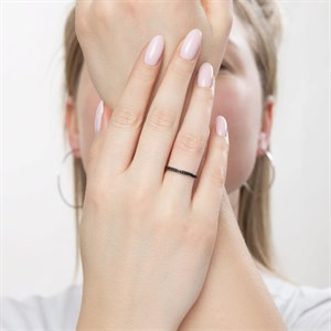 Серебряное кольцо с чёрными фианитами - фото 5810